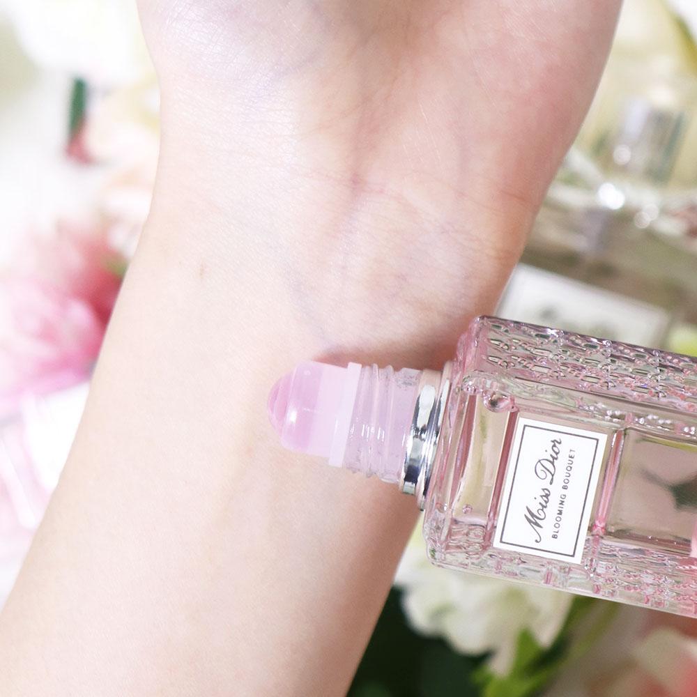 detailing 3b97a 11c91 ふんわり香らせやすい!Miss Dior新発売ロールオンタイプ ...